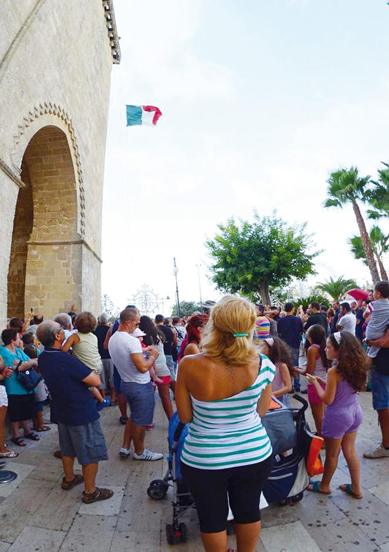 lizza 2012 alzabandiera 14 agosto-foto michele piccinno alezio