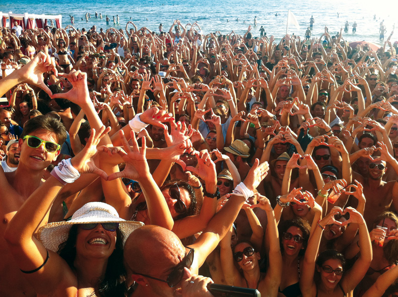 party in spiaggia samsara gallipoli