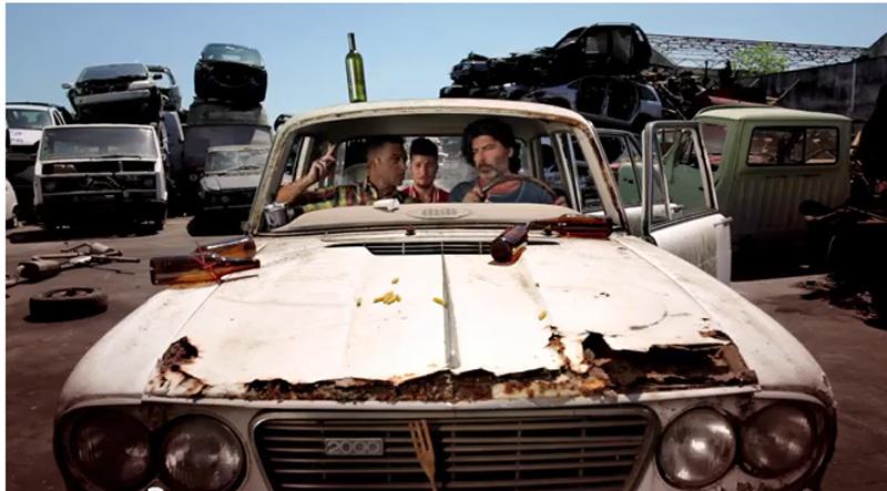 """De Santis e Popu nel video """"Pezzenti"""""""