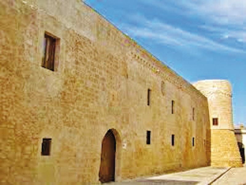 il castello medievale di Acquarica del Capo, dove si svolgerà l'evento