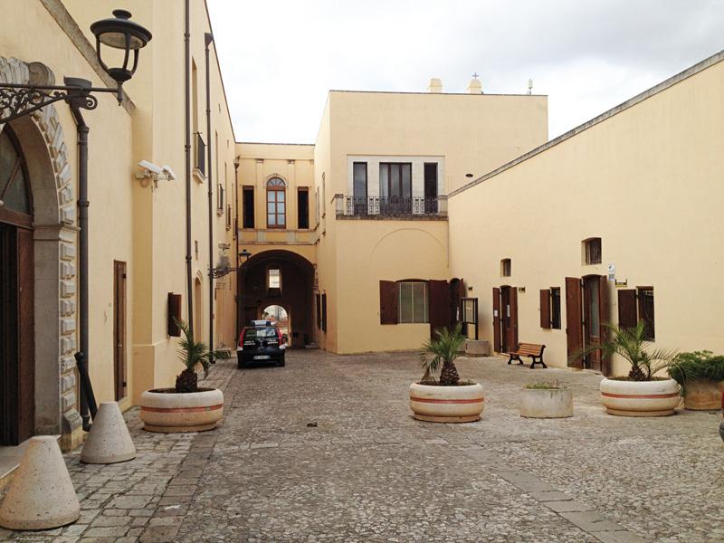 municipio uffici taurisano (1)