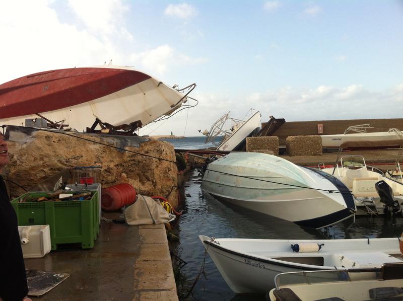 nubifragio barca sindaco errico capovolta