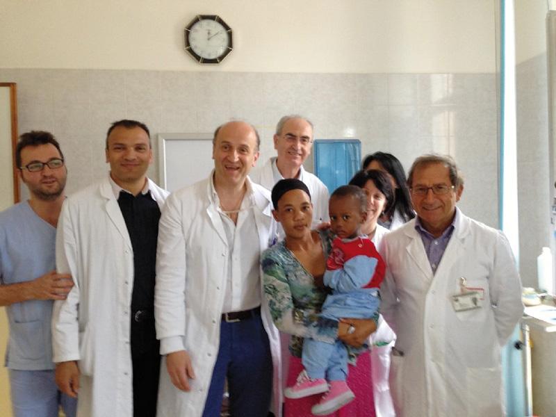 "lo staff medico di ""Arcobaleno su Tanzania"""