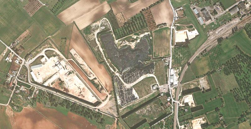 L'area destinataria delle tonnellate di amianto, dietro la stazione Fse