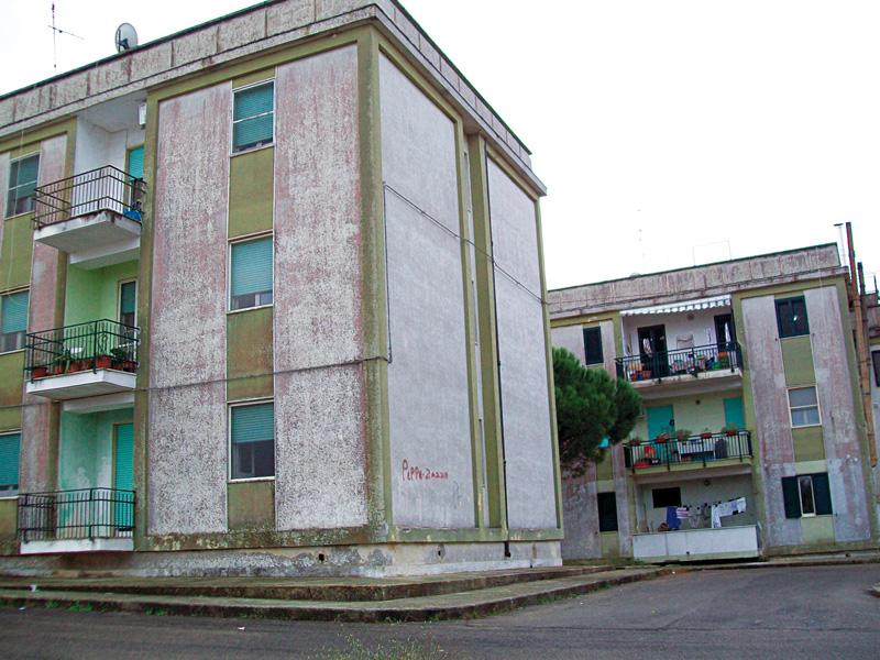 Gli alloggi dell'Istituto autonomo case popolari in via Pimmenthal
