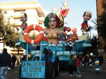 carnevale 2011 carro_sfilata_la maledizione dei governi italici