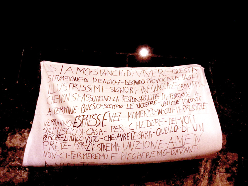 striscione taurisano-miggiano protesta