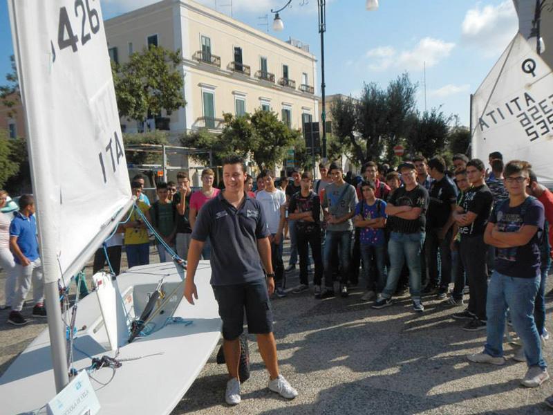 Una iniziativa della scuola di vela