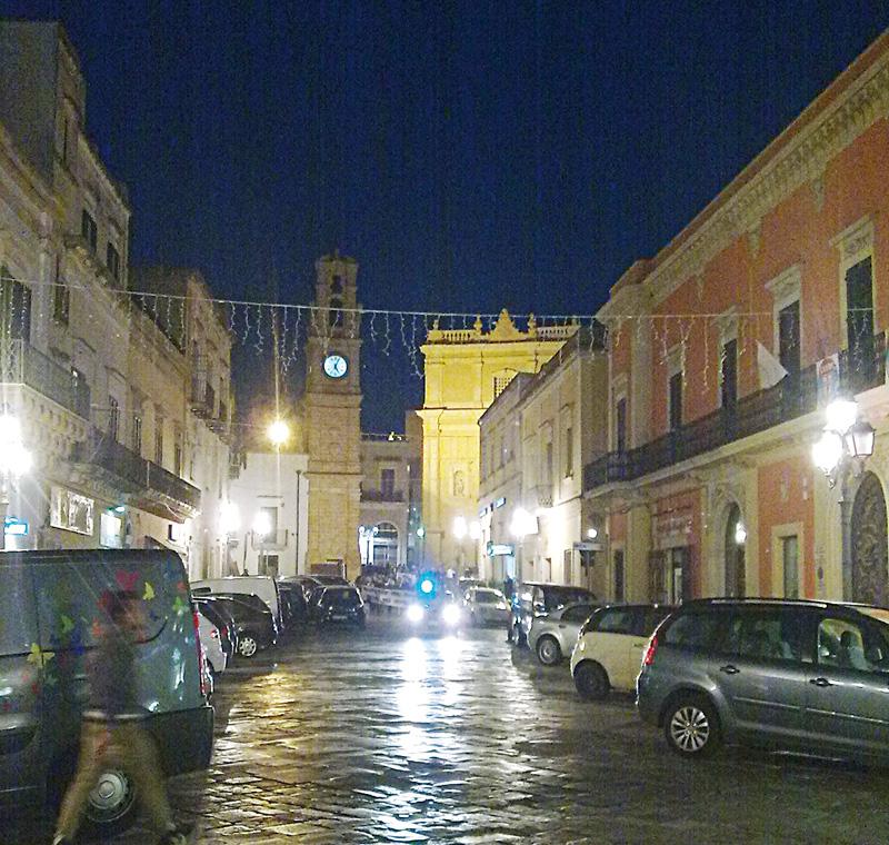 piazza san giovanni di sera - casarano