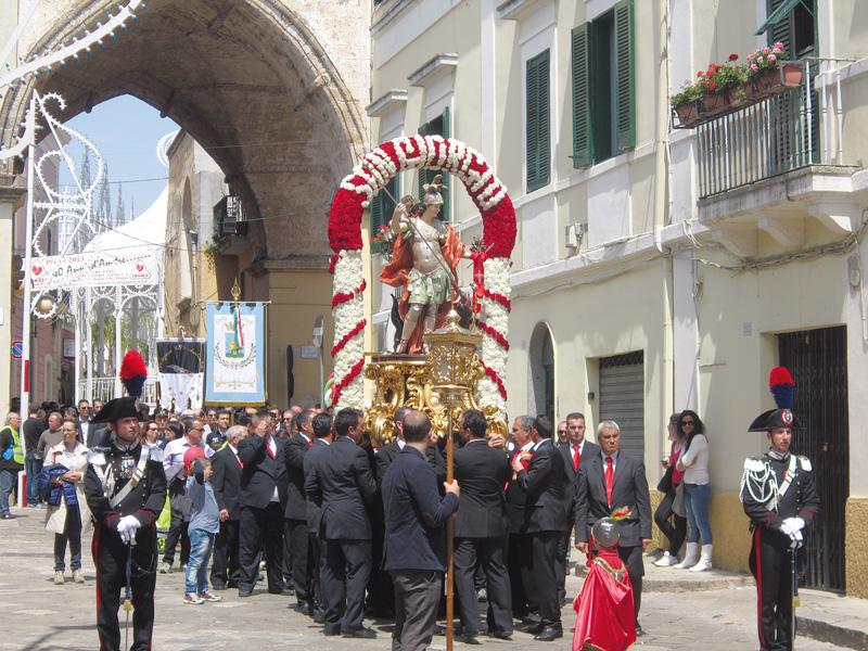 San Giorgio- processione benedizione dei campi matino
