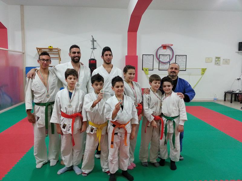 """Il gruppo del """"Training & Judo"""", associazione nata tre anni fa"""