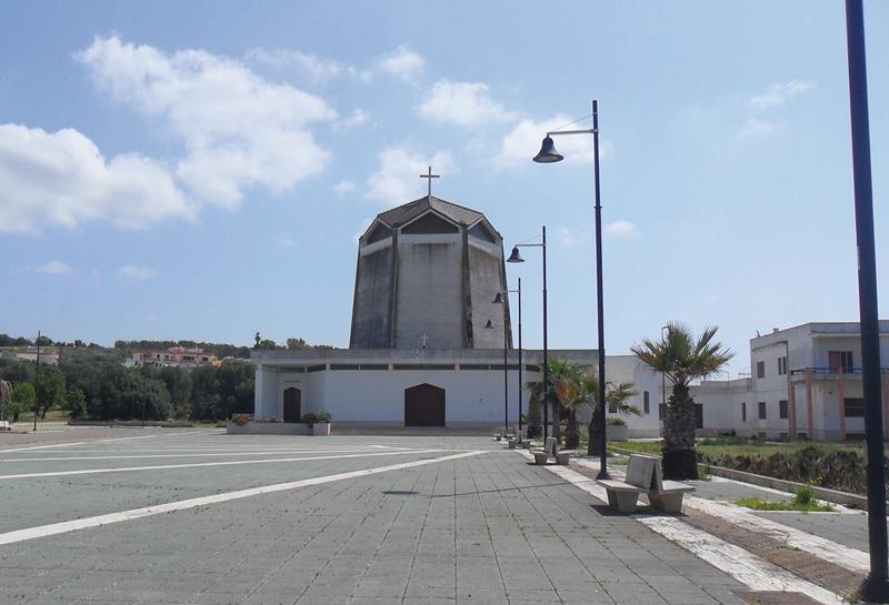 Il piazzale della chiesa dei Santi Pietro e Paolo dove si terrà la festa dell'Azione cattolica