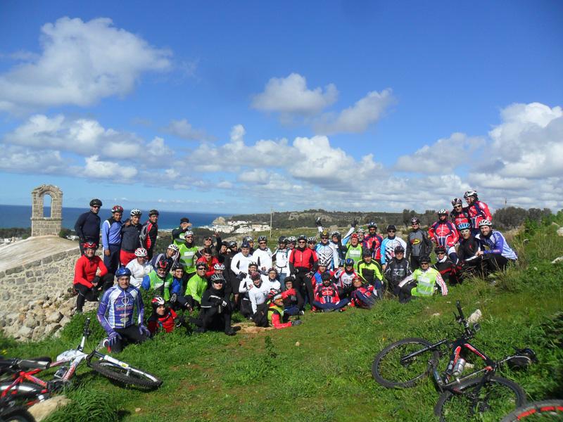 """Il gruppo """"Asd cycling Sannicola"""" in una delle recenti uscite a San Mauro"""