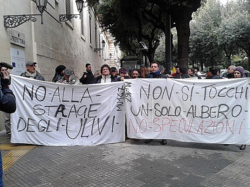 La recente protesta presso la Prefettura di Lecce