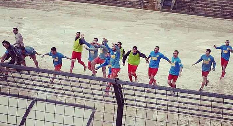 La festa salvezza dello scorso campionato (foto di Dario Greco)