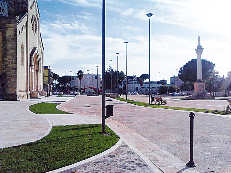 piazza regina del cielo - parabita
