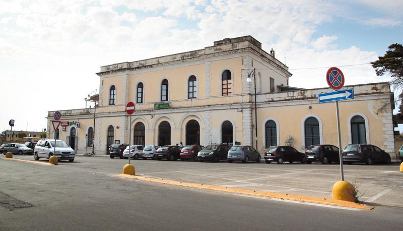 Stazione ferroviaria di Piazza Matteotti, Gallipoli