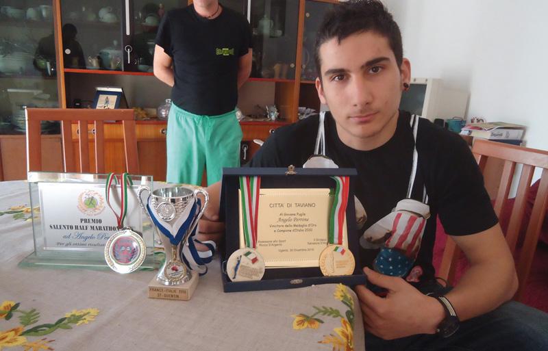 Angelo Perrone e i suoi trofei