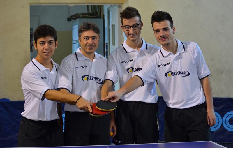 In alto da sinistra: Matteo Luci, Flavio Giannuzzi, Giorgio Toma e Gregory Toma; in basso Antonio Tondo