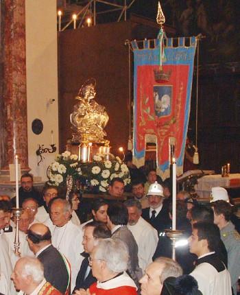 Il busto di S. Agata in processione