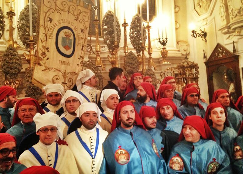 processione ss crocifisso 2014 con l'arciconfraternita del Carmine di taranto