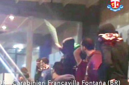 Una immagine del filmato dei carabinieri girato durante la gara a Francavilla Fontana