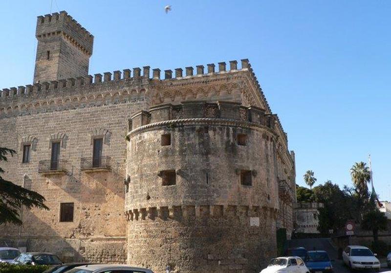 Castello degli Acquaviva - Torre di lu 'Nnammuratu