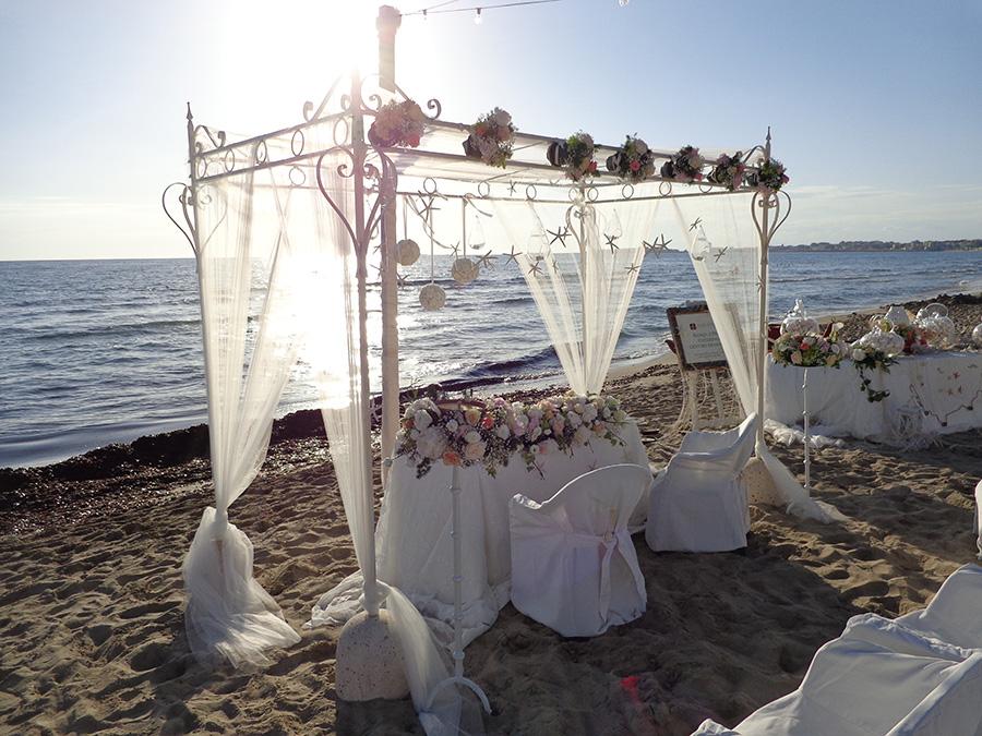 Matrimonio In Spiaggia Ugento : Hyencos hotel calos torre san giovanni ugento italy booking