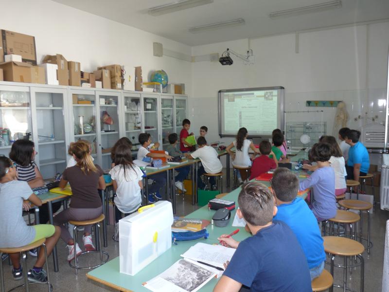 I laboratori scolastici e la dirigente Carmela Cezza