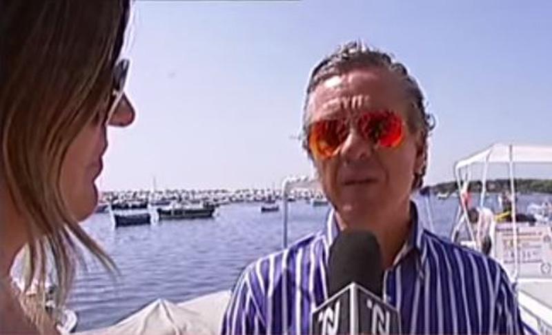 L'assessore Mino Natalizio durante l'iniziativa Taxi boat