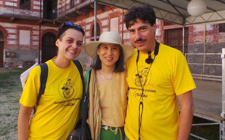 Giuliana Gnoni e Maurizio Mangia con al centro Ruth Miura, per anni interprete ufficiale del maestro Suzuki