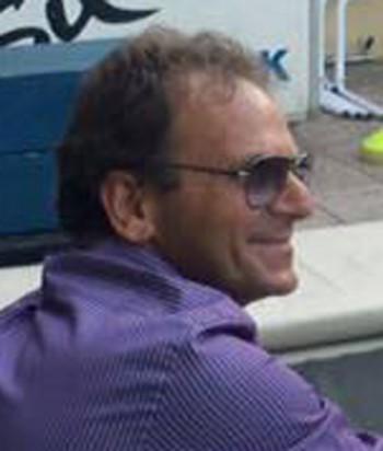 Il presidente Maurizio Fanuli riceve la busta