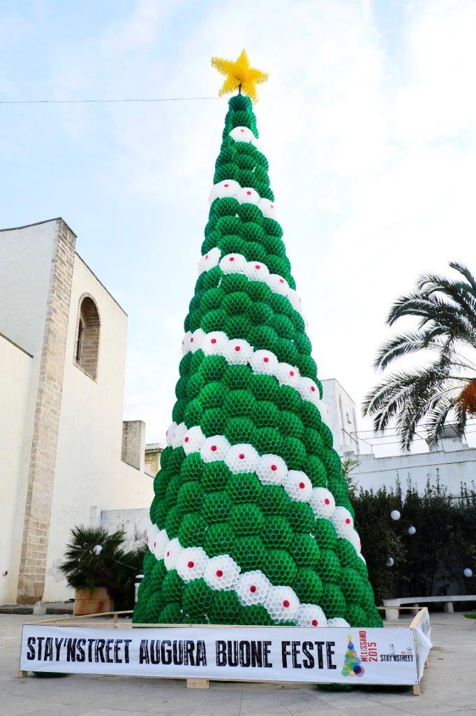 Albero Di Natale Con Cannucce Di Carta.Albero Di Natale Con Bicchieri Di Plastica Frismarketingadvies