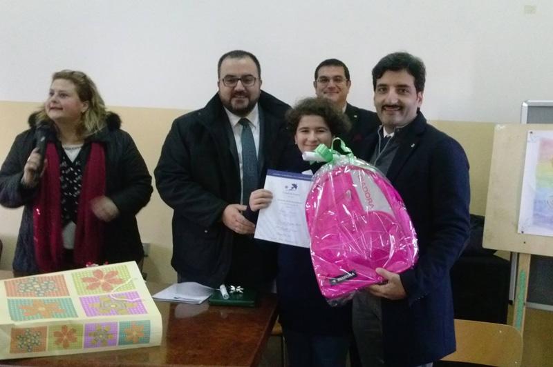 La dirigente Primiceri insieme al presidente del Lions club Casarano Giuseppe Nuccio