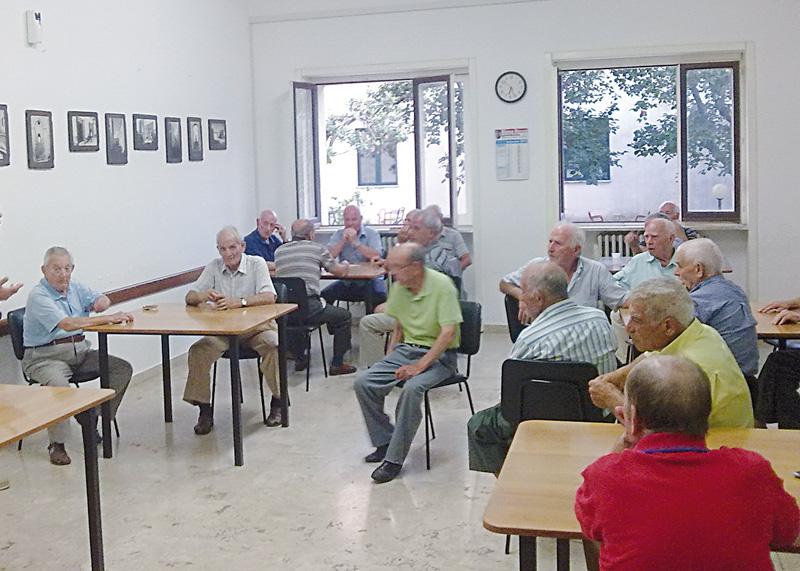 centro anziani  casarano   (2)