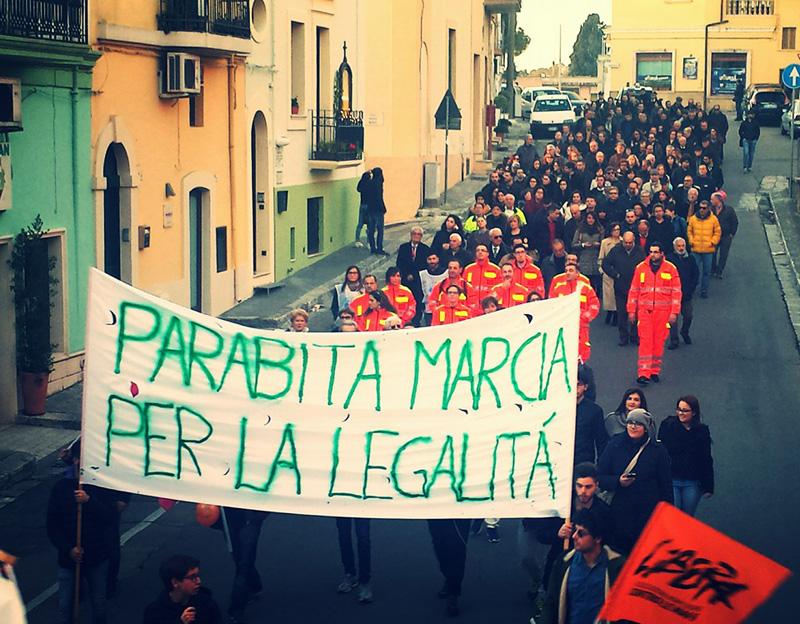 """La marcia dello scorso 10 gennaio in risposta all'operazione """"Coltura"""" delle forze dell'ordine che portò a 22 arresti , tra i quali l'ex vicesindaco Giuseppe Provenzano"""