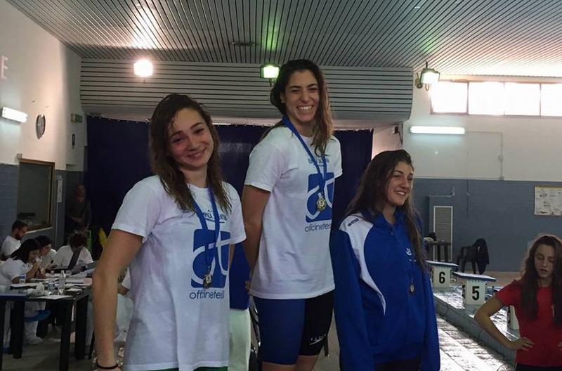 Sopra, da sinistra Letizia Piscopiello ed Erika Gaetani. In basso l'allenatore Gianni Zippo.
