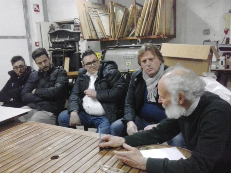 Sopra, da sinistra, il presidente del Neviano Mario Fonte,  dirigente e presidente del Seclì, Tommaso Negro e Carlo Cafaro, e Antonio Tramacere