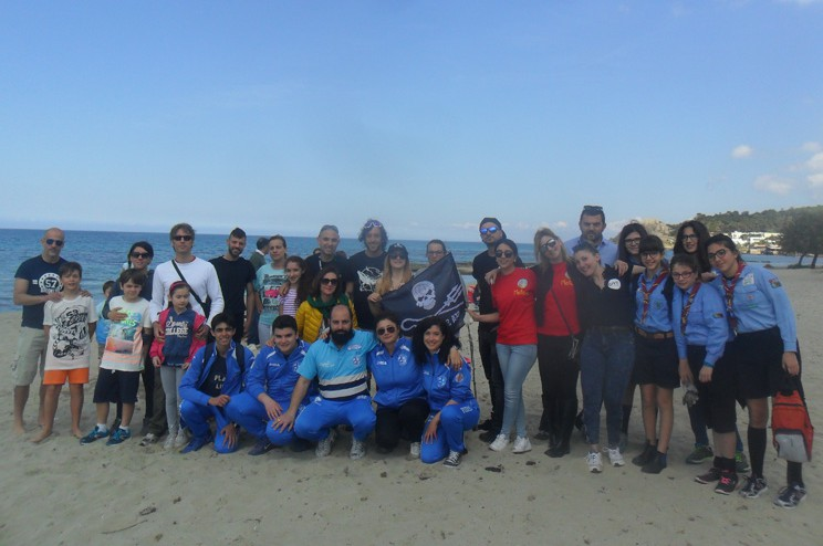 pulizia spiaggia sea sherphers 8 maggio 2016