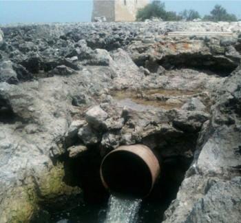 Lo scarico a mare di Torre Inserraglio di Nardò