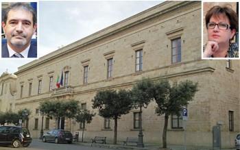 Palazzo di Città e, nelle fotine, il sindaco Gianni Stefàno ed il consigliere comunale d'opposizione Francesca Fersino
