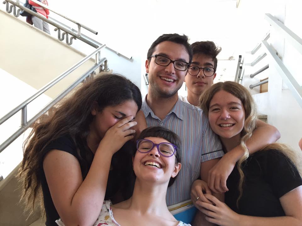 Daniele Mastai tra i suoi allievi