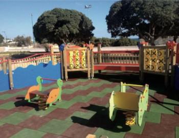 Il parco giochi per bambini allestito in piazzetta don Tonino Bello a Torre Suda e inaugurato da poco assie- me a quello di piazzetta Esador