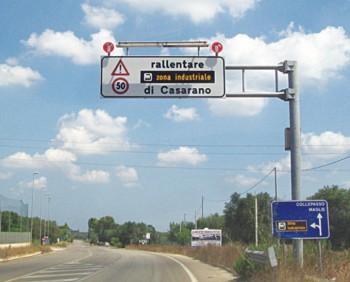 cartello-stradale-zona-industriale-casarano