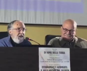 Da sinistra Pietro Perrino e Giuseppe Serravezza durante l'incontro promosso da Novarìa lo scorso 26 novembre ad Acquarica