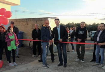L'inaugurazione del centro sportivo, rimasto chiuso per anni, con il Sindaco e don Antonio. Fatto torneo di calcetto, arriva il tennis