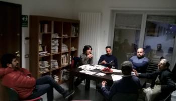 Da sinistra Lorenzo Corchia, Rita de Bernart, Emanuele Frisenna, Alberto Greco, Rocco Pasca e, di spalle, il direttore Fernando D'Aprile