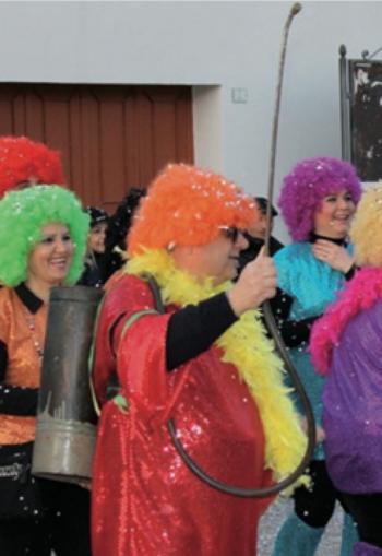 Il gruppo parrocchiale in una precedente edizione del Carnevale