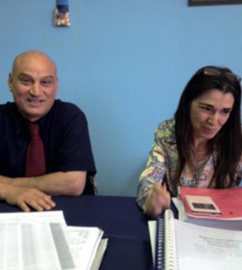 Il dirigente scolastico Salvatore Negro e la professoressa Mara Isernia