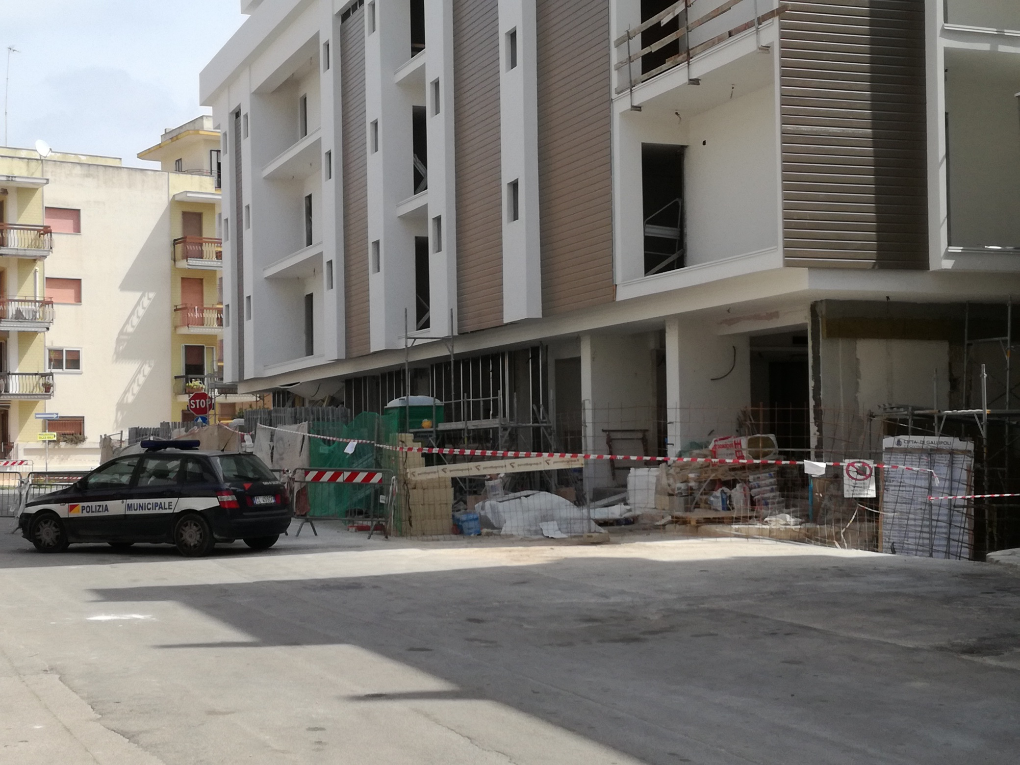 Gallipoli scoppio in tarda serata fuoriuso il pianoterra di un albergo in ristrutturazione per - Albergo diffuso specchia ...